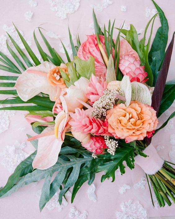 Exotická letní svatební kytice
