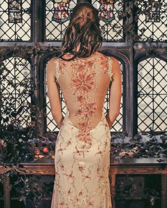 Květinové svatební šaty, iluze tetování, svatební šaty s holými zády