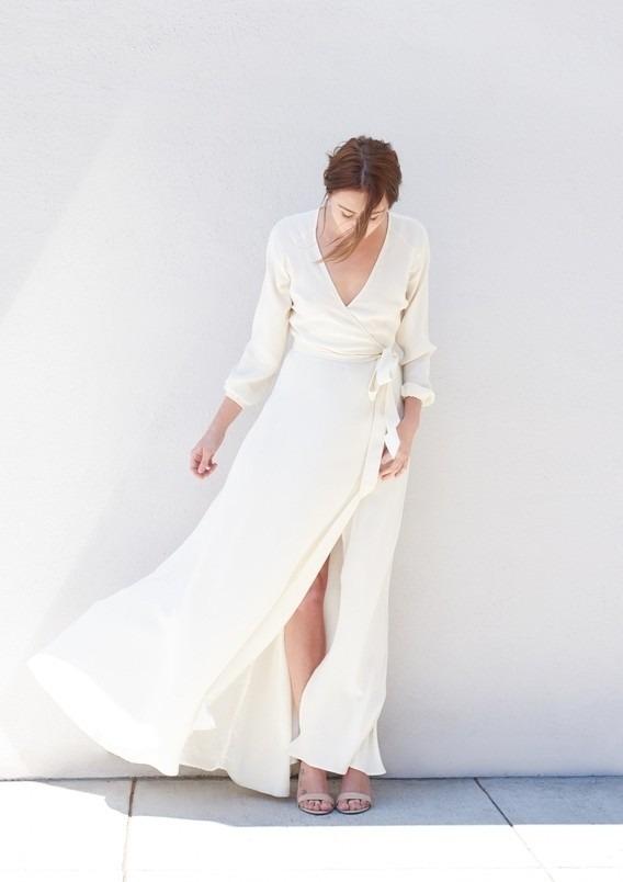Zavinovací svatební šaty