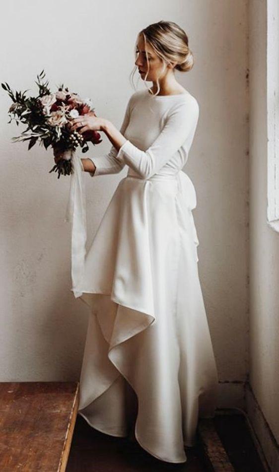 Dvoudílné svatební šaty