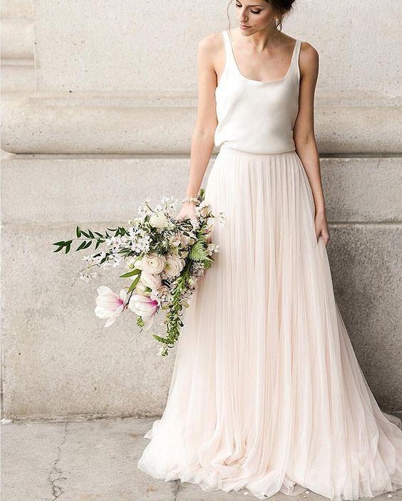 Svatební šaty nositelné i po svatbě