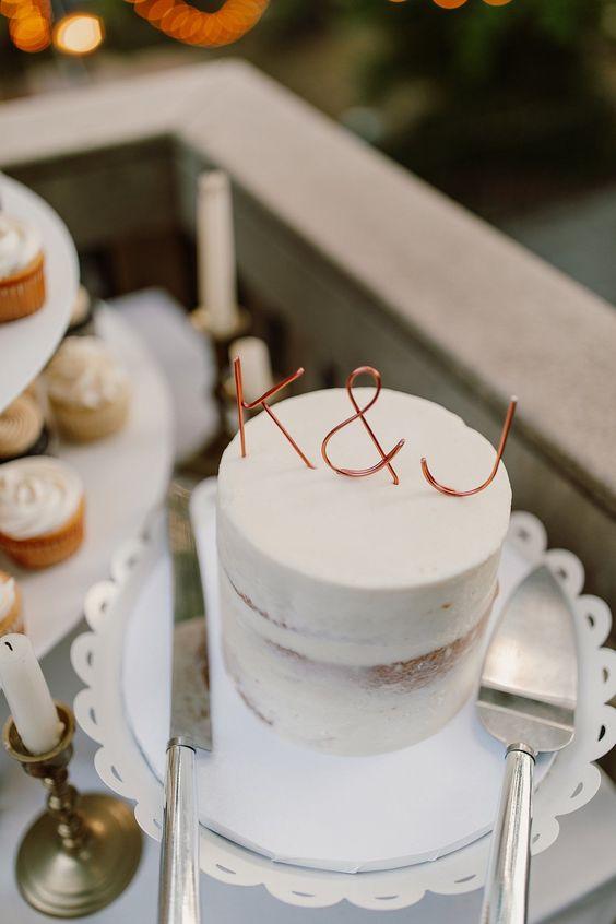 Svatební dort na mikrosvatbu, minimalistický svatební dort